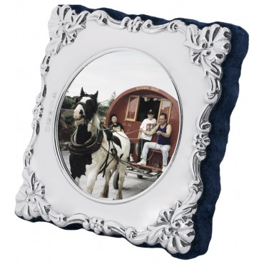 FR627 - Sterling silver Victorian style miniature photo frame with velvet back 4cm diameter